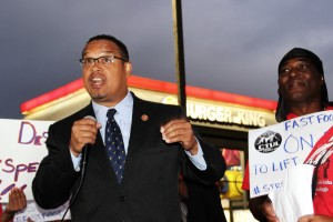 US Rep Keith Ellison with worker